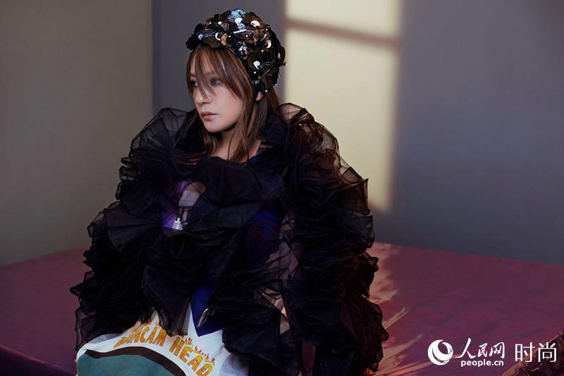 赵薇先锋艺术感大片曝光 或掀起魅力新风尚