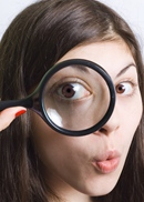 """曝光台Expose自制化妆品 均属""""三无"""" 涉违法自制化妆品存在微生物超标等潜在风险,如对外销售或者出售原材料则涉嫌违法。"""