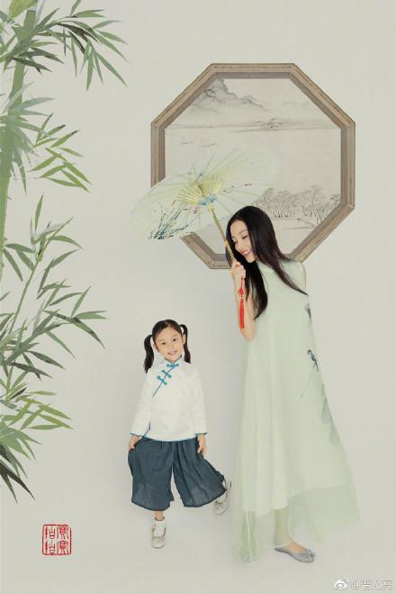 贾乃亮晒一家三口大片为女儿庆生 网友:甜馨越来越漂亮啦!【8】