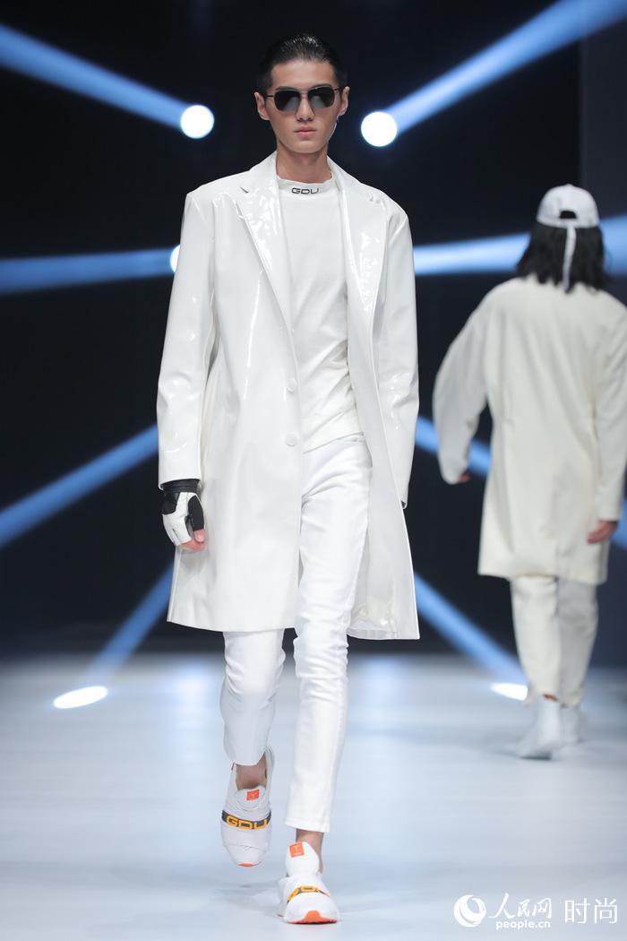 科技时尚第一潮牌gdu life 首登国际时装周 颠覆传统大放异彩