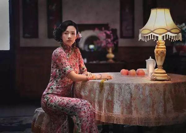 章子怡的旗袍优雅妩媚,真绝色的造型谁能拒绝?