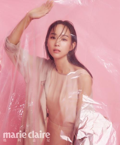 张钧甯粉色系梦幻封面大片 高级性感展现朦胧美【3】